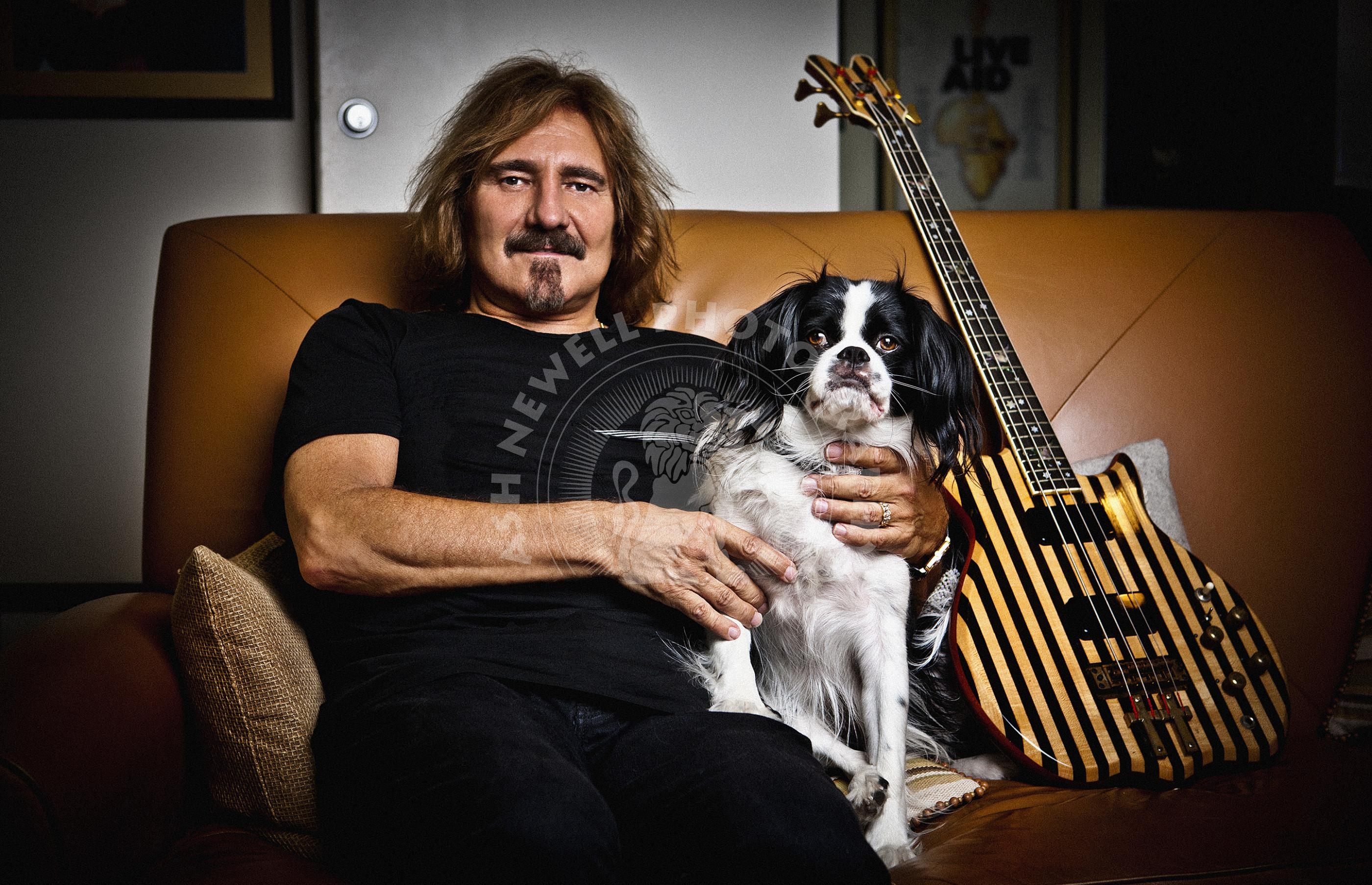 Johnny Pro II Bass. Geezer-butler-los-angeles-spaniel-dog