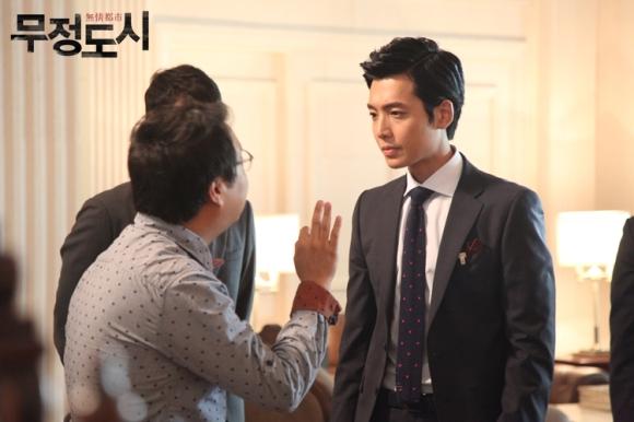 Сериалы корейские - 9 - Страница 16 Cruel_City_-_Korean_Drama-0063
