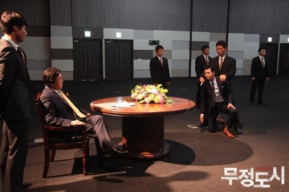Сериалы корейские - 9 - Страница 16 Cruel_City_-_Korean_Drama-0071