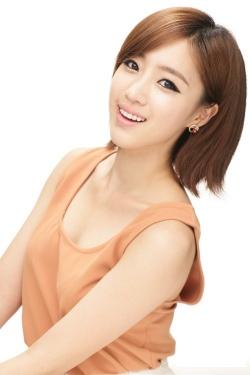 صور ابطال مسلسل حلم الشباب 250px-Eun_Jung-p5