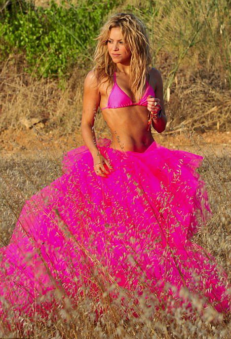 Shakira.;* - Page 2 Shakira-ndash-in-postura-de-balerina-sexy-foto_1