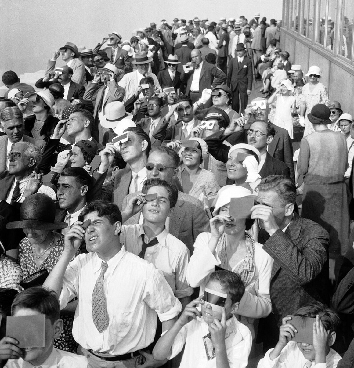A Century of Eclipse Watching, in Photos Image