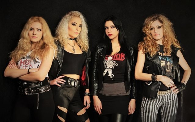 Female-Fronted Rock/Metal - Page 13 Jennerband2017_638
