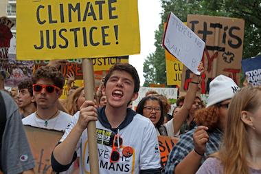 Arrests at London climate-change protests top 1,000 Larger