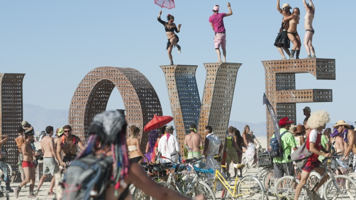 The Burning Man festival - Page 3 720x405-452875406