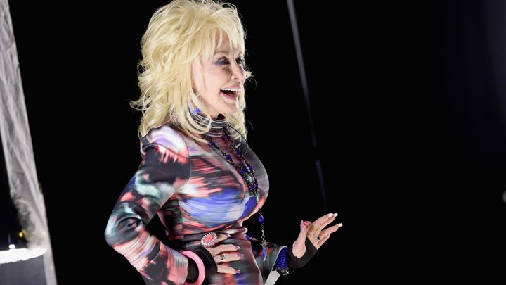 Dolly Parton - Page 7 720x405-GettyImages-514183332