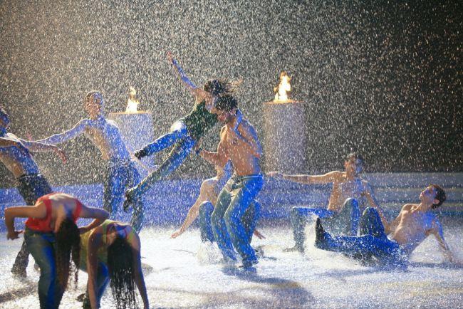 Pariu cu viata - Page 37 Din-episodul-de-luni-pariu-cu-viata-un-dans-spectaculos-in-ploaie-si-muzica-ruseasca_2