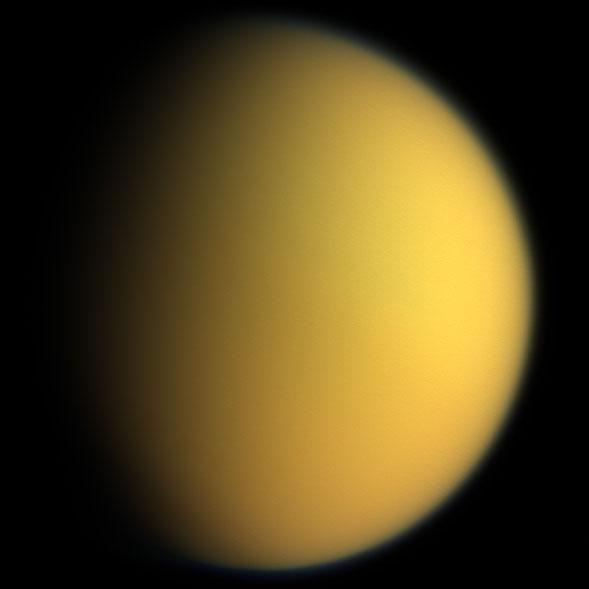 A lua Titã Titan_in_natural_color_cassini1