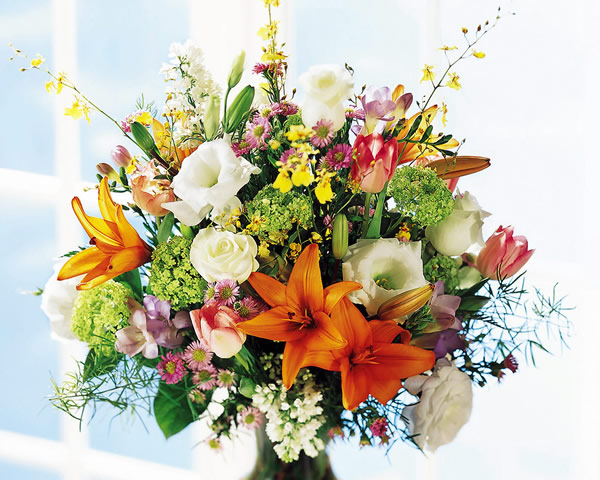 FOTO TË MUAJIT QERSHOR - Faqe 2 Flower-bouquet_020