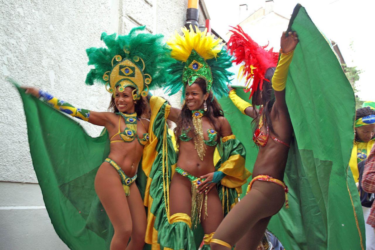 Brazil - Page 11 Brazil-samba