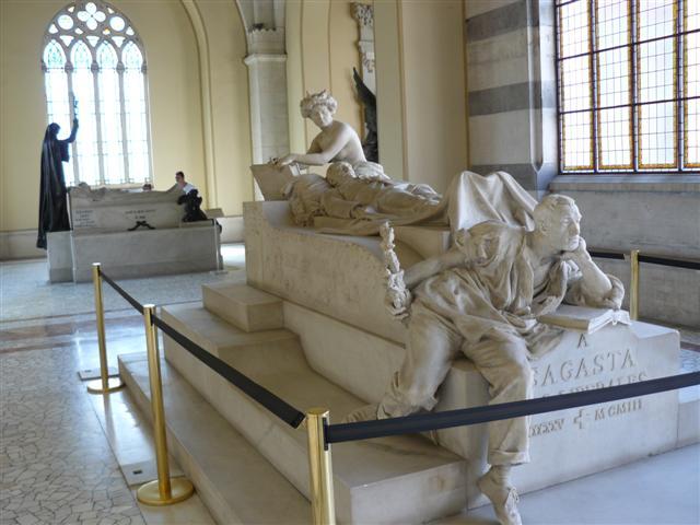 Panteón de Hombres Ilustres y la Basílica de la Virgen de Atocha Madrid-09-07-panteon-de-hombres-ilustres