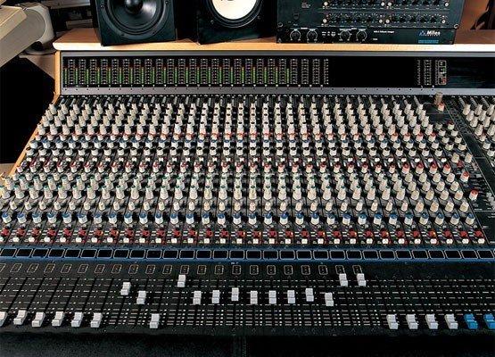 Controles de tono si/no - Página 2 Mesa-de-mezclas-555x400