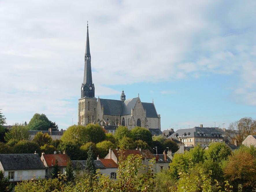 Par ordre alphabétique, des villes et des villages . - Page 8 Eglise_pithiviers