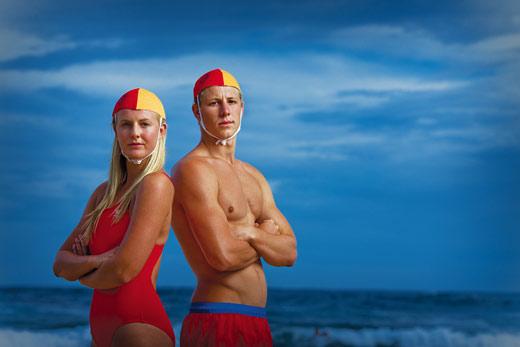 Discussion sur l'Etoile de TF1 du 25 Juin - Page 2 Surf-lifesaving1
