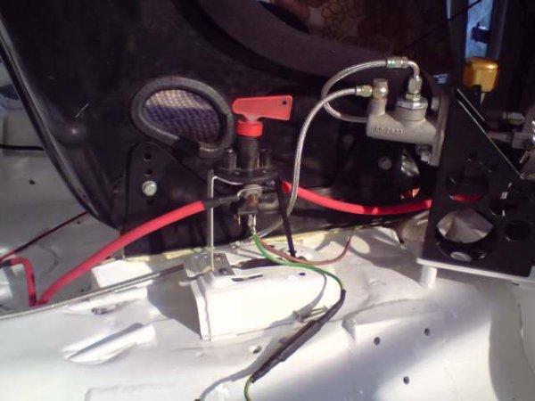 montage coupe batterie voiture