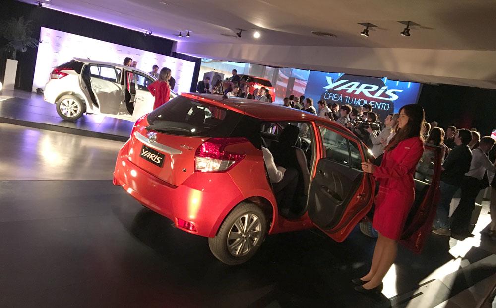 Lanzamiento: Toyota Yaris en Argentina APUNTES-TOYOTA-YARIS-5