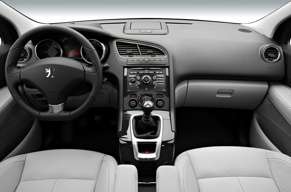 [Insolite] Peugeot 607 avec des jantes 18 Atlantique de C5 2 Interieur-peugeot-5008-l-2023
