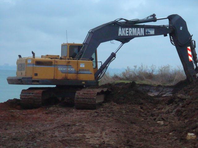 Akerman  macchine  Construction-equipment-tracked-excavatorAKERMAN-EC230B---1_big--12033016560752585700
