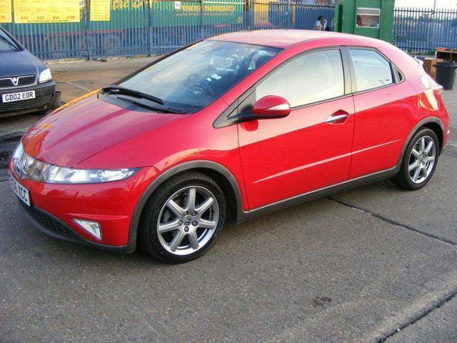 Plastiche esterne estremamente rovinate Used_Honda_Civic_1_8_I_vtec_Ex_5_Door_Hatchback_Red_2006_Petrol_for_Sale_in_UK