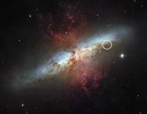 Une étoile explose dans une galaxie très proche M82_hs-2006-14-SN2014J-1000-500x389