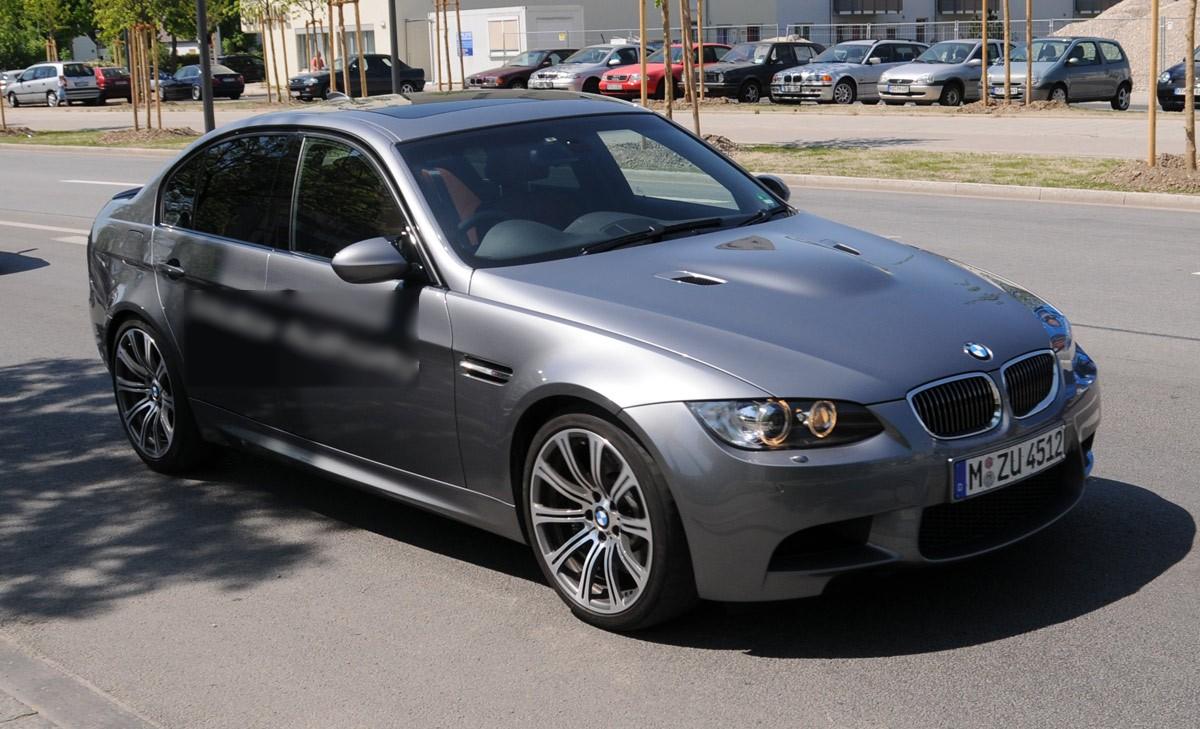بي ام دبليو BMW موديل 2010 Bmw-2010-m3-sedan-facelift-img_1