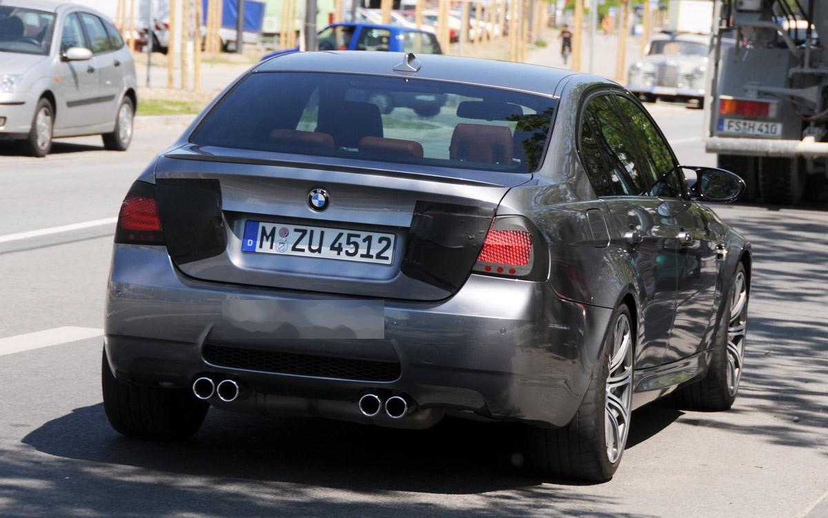 بي ام دبليو BMW موديل 2010 Bmw-2010-m3-sedan-facelift-img_4