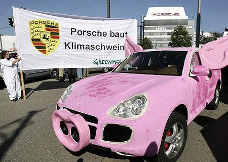 Les roses Porsche-cayenne-pink-pig-greenpeace