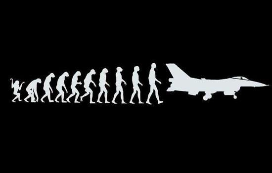 Photos étonnantes... The-Evolution-of-Man