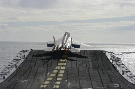 المقاتلة البحرية mig29 k 10_MiG-29KUB_main-450x298