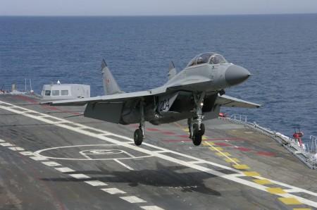 المقاتلة البحرية mig29 k 12_MiG-29KUB_main-450x298