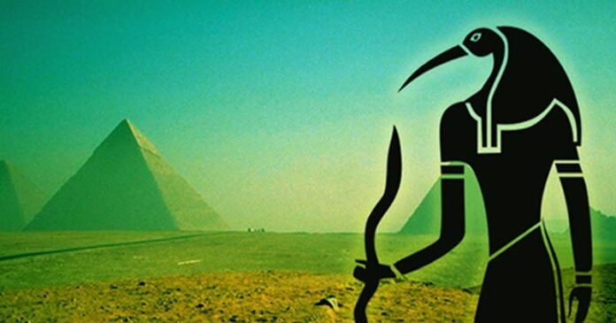 Who Really Built the Pyramids of Giza? Thoth's Enigmatic Emerald Tablets May Provide the Answer Xfvxeaxed-696x365