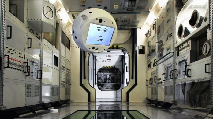 'I'm sorry, Dave': Talking AI companion robot CIMON heads to ISS Mfjfyuggev-696x391