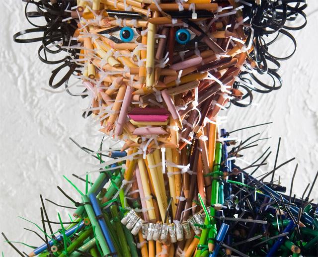 Skulpture od olovaka - Page 6 Mother-pencil-sculpture-head