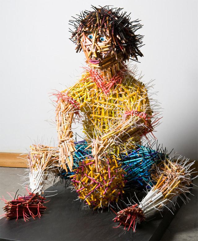 Skulpture od olovaka - Page 6 Pencil-sculpture-guy