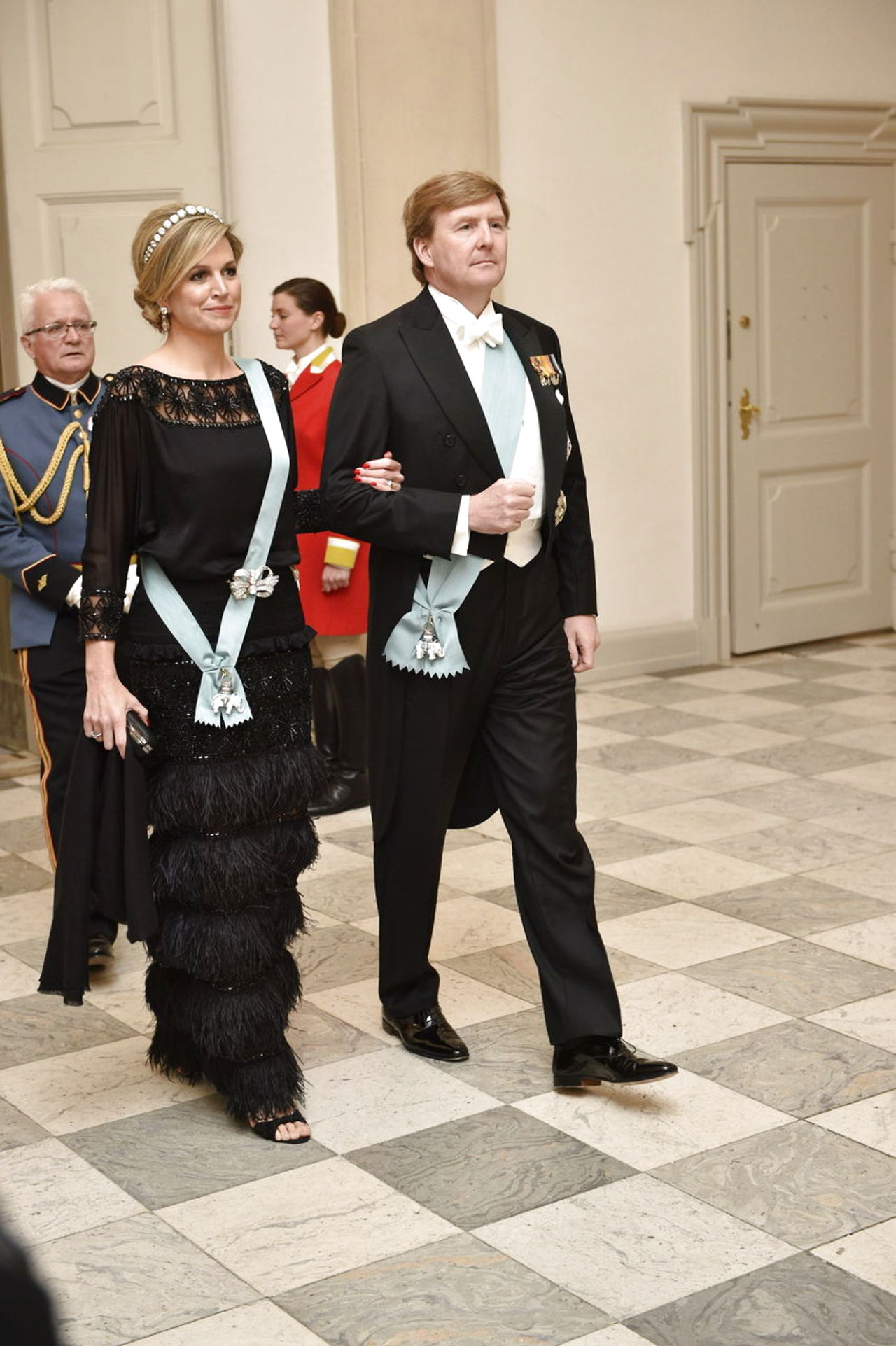 Margarita y Enrique de Dinamarca - Página 26 8587689-dronningmargrethe75