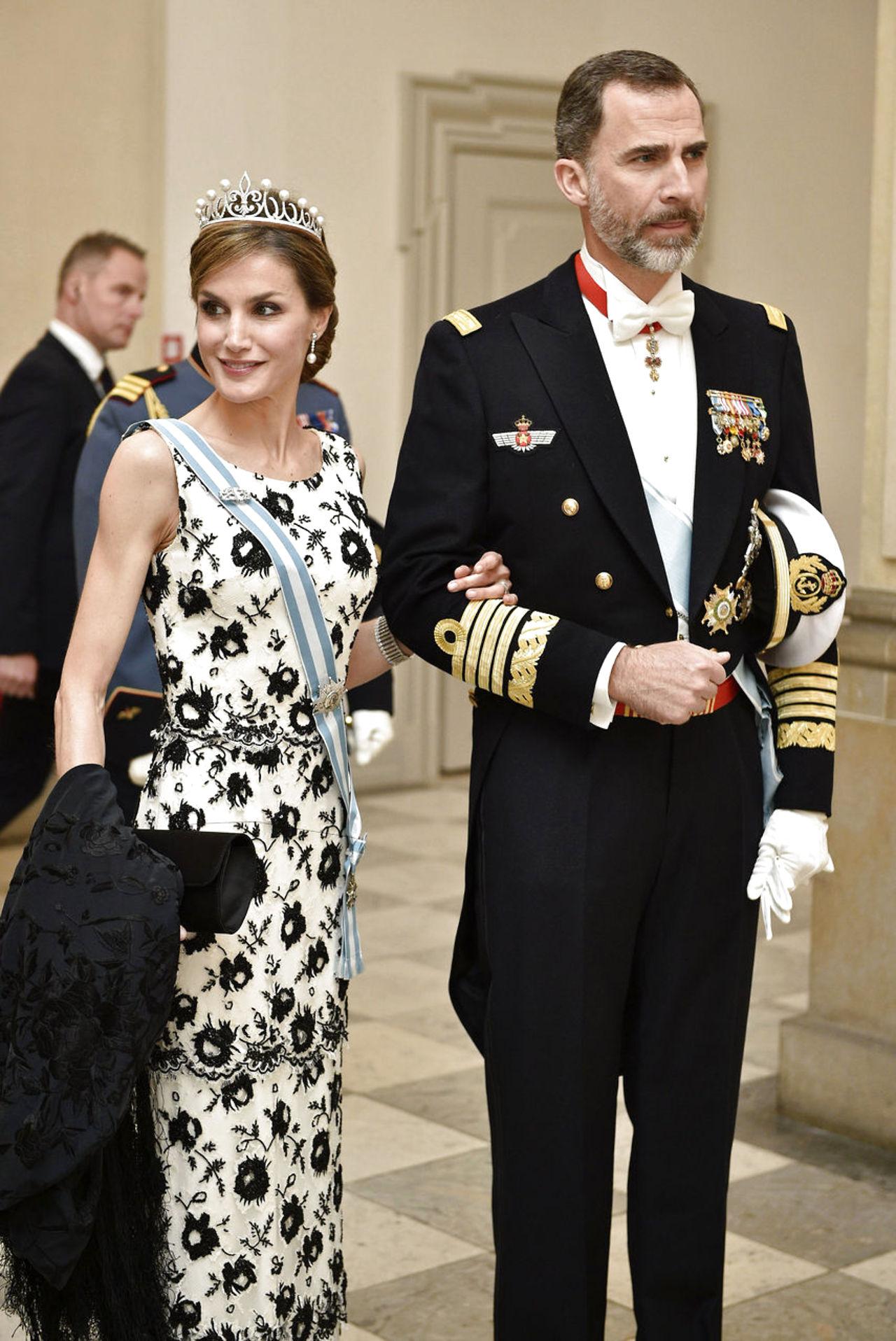 Margarita y Enrique de Dinamarca - Página 26 8587691-dronningmargrethe75