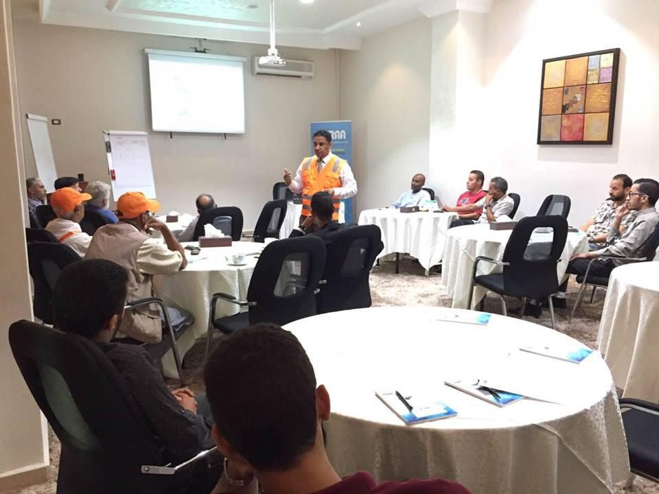 المدرب / جمعة محمد سلامة ينفذ محاضرة تثقيفية لرواد مؤسسات المجتمع المدني 151621100058612