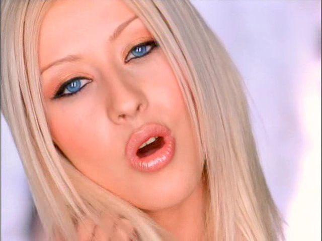 [Scan] Beauty Spy: Christina Aguilera Finalmente Encontró su Look Perfecto 196653609_640