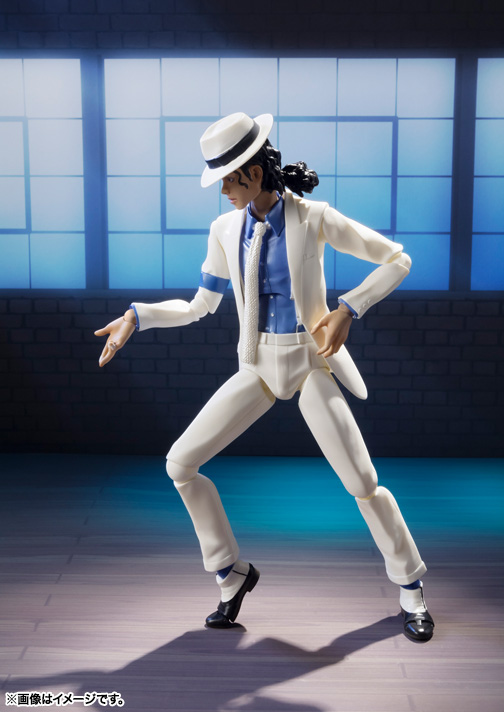 Action figure di Smooth Criminal prodotta da Bandai 16898a9f476ddd32182aa9e01a720050_item_0000010718_hTsRlwGS_03