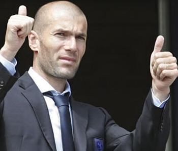 Zidane tacle 2j83emmv