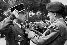 Colonel Hervé De BLIGNIERES,chef d'Escadrons au 1 REC en Indoet puis.... 3532132654