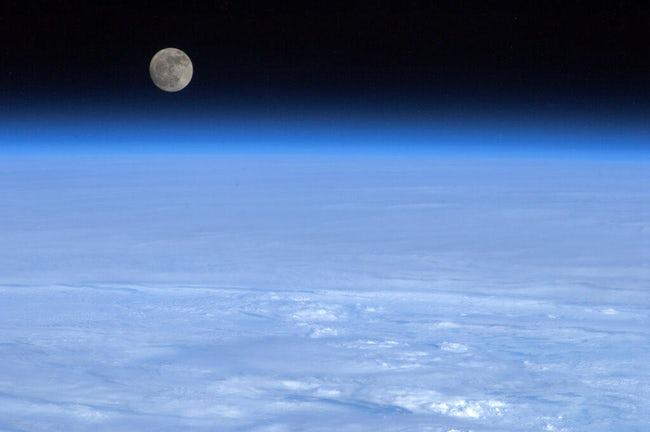 صور لكوكب الأرض والظواهر الطبيعية  من الفضاء !! 9