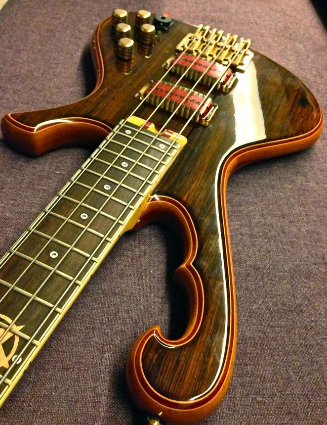 Star Bass - Parceria entre o Luthier Ademir e PJ Star11