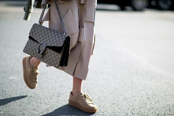 Phụ kiện thời trang: Giày màu gì dễ mặc quần áo? Bí quyết các nàng không thể bỏ  Giay-mau-gi-de-mac-quan-ao-31