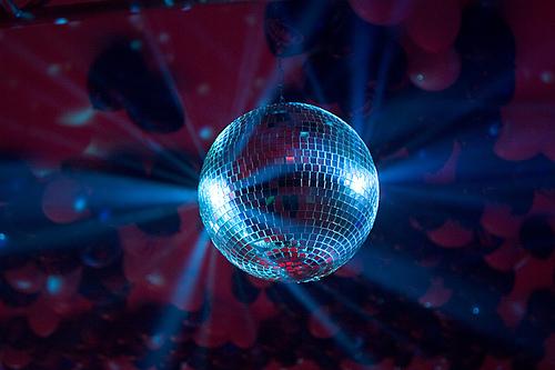 Melodija - pjesma koja vam se danas vrluda po mislima - Page 8 Disco-ball