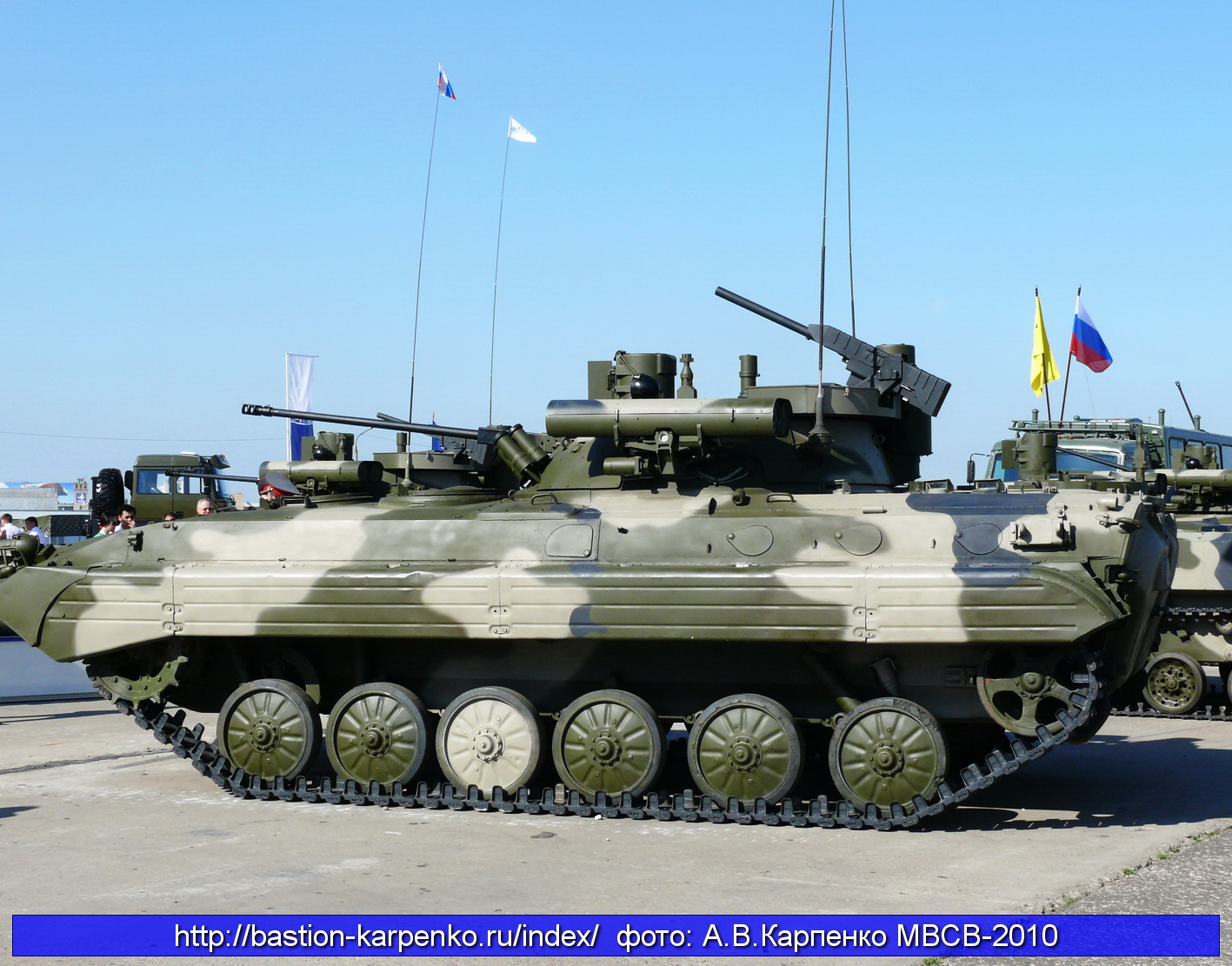 BMP-1 & BMP-2 in Russian Army - Page 6 BMP-2M_MVMS-2010_10