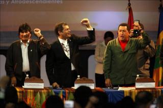 """""""¿Son reversibles los procesos revolucionarios en América Latina?"""" - artículo de Marcos Roitman Rosenmann - publicado en febrero de 2013 en La Jornada, de México  Chavez1"""