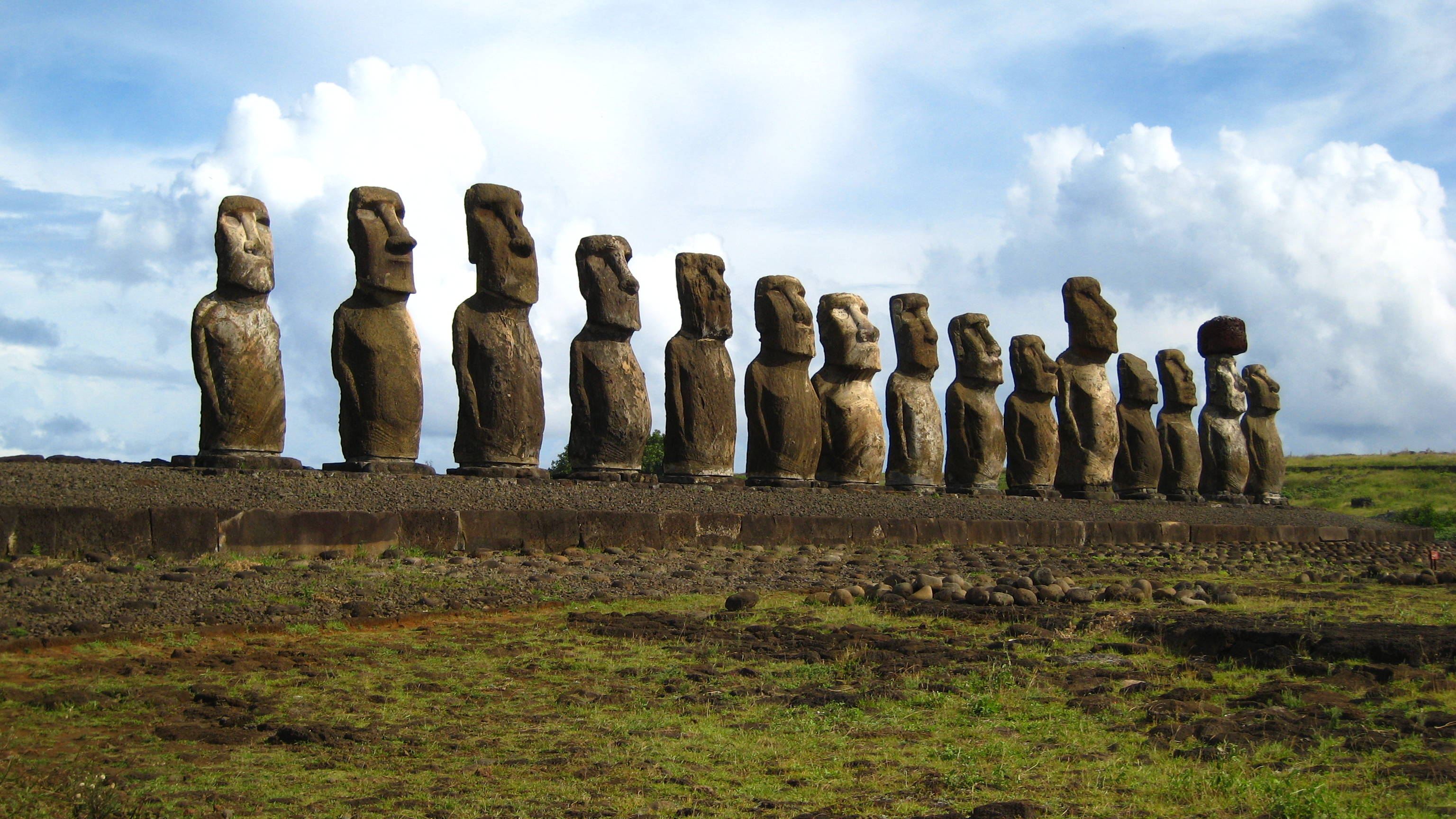 Easter Island: Evidence of a Lost Ancient Civilization Moai_Statues_Easter_Island_06