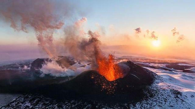 Heavenly Signs!? Meteors Raining Down in 2013 202229-multiple-eruptions-kamchatka