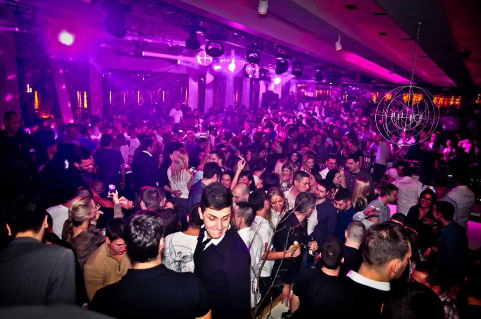 Noćni život u Beogradu Belgrade-at-Night-club-service-2